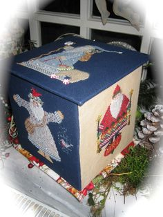 Eefs Needle: Cartonnage Santa Box