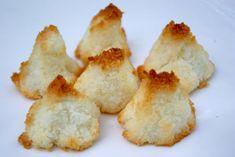 Mini pavlovas au lemon curd et kumquats confits Desserts Français, Desserts With Biscuits, French Desserts, Easy Healthy Recipes, Snack Recipes, Easy Meals, Dessert Recipes, Snacks, Cheese Cookies
