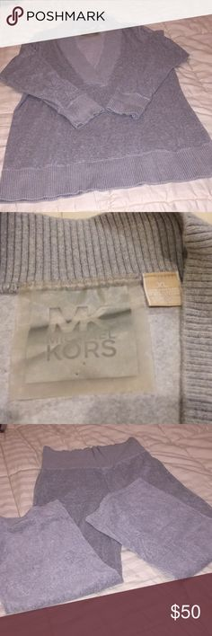 Michael Kors. PJ's MICHAEL KORS, Beautiful and comfy grey velours Pj's . Long sleeve top with V-neck, bottom wide leg and you can fold down waist to pants if you like. In wonderful condition Michael Kors Other