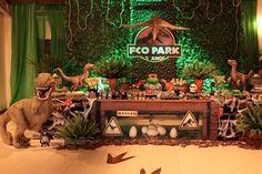 Festa Jurassic Park!! Uma festa ... Birthday Party At Park, Harry Birthday, Boy Birthday Parties, Dinosaur Party Favors, Dinosaur Birthday Party, Spiderman Theme Party, Festa Jurassic Park, Jurrassic Park, The Good Dinosaur