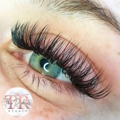 [New] The 10 Best Makeup Today (with Pictures) Hybrid lashes 45 Using Wispy Lashes, Fake Eyelashes, Makeup Inspo, Makeup Tips, Makeup Ideas, Eyelash Extensions Styles, Russian Volume Lashes, Glowy Skin, Insta Makeup