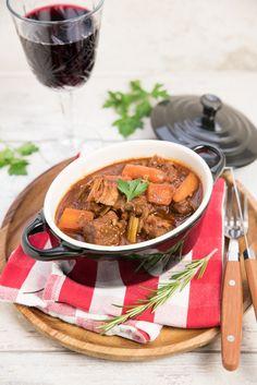 Italiaans stoofvlees met pancetta en rode wijn Slow Cooker Recipes, Italian Recipes, Thai Red Curry, Stew, Low Carb, Favorite Recipes, Lunch, Meat, Dinner