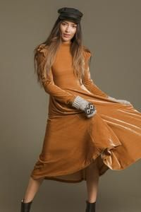 LA LA LADY DRESS IN GOLD – Ivy City Co