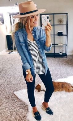 Look Camisa Jeans Legging The post Look Camisa Jeans Legging appeared first on Jean. Best Casual Outfits, Summer Work Outfits, Spring Outfits, Spring Dresses, Winter Outfits, Work Dresses, Classy Outfits, Chic Outfits, Casual Jean Outfits