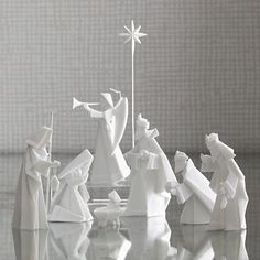 White Origami Nativity Set. Why didn't I put this on my list earlier?