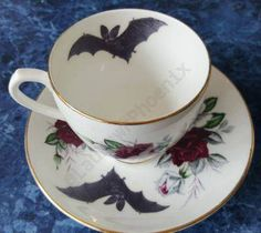 Bat Rose Tea Cup and Saucer. I think I've found my Halloween china! Art Et Design, Deco Design, Café Chocolate, Goth Home, Gothic Home Decor, Gothic House, Cup And Saucer, Tea Time, Tea Party