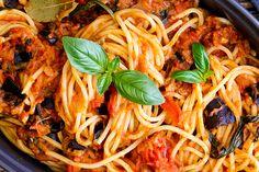 skinnymixer's Pasta Alla Norma (Eggplant Pasta Sauce) Butter Chicken Thermomix, Eggplant Pasta, Salad Recipes, Healthy Recipes, Pasta Noodles, Main Meals, Vegetarian Meals, Venice, Cooking