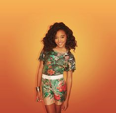 Amandla Stenberg - she is seriously the cutest thing ever