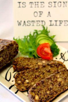 Kakkuviikarin vispailuja!: Maailman parasta (gluteenitonta) leipää?