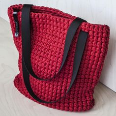 Crochet Patterns Bag Crochet cloth bag red by KnitKnotKiev on Etsy . Discover thousands of images about Red Crochet Tote Bag WEBSTA @ knitknotkiev - Finally the red tote is here! Crochet tote bag made of t-shirt (zpagetti, trapillo) recycled yarn. Bag Crochet, Crochet Diy, Crochet Handbags, Crochet Purses, Tshirt Garn, Crochet Shoulder Bags, Knitted Bags, Crochet Accessories, Cloth Bags