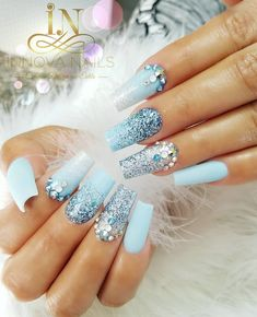 What Christmas manicure to choose for a festive mood - My Nails Beautiful Nail Art, Gorgeous Nails, Hot Nails, Hair And Nails, Dimond Nails, Nail Store, Graduation Nails, Bleu Pastel, Party Nails