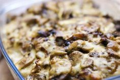 This casserole features canned mushroom soup. This easy and comforting casserole is a cinch to make and serves a big crowd. Sauteed Mushrooms, Creamed Mushrooms, Great Appetizers, Appetizer Recipes, Vegetable Side Dishes, Vegetable Recipes, Pork Recipes, Cooking Recipes, Contouring