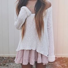 Can we please talk about how adorable this outfit is? Moment of silents for this outfit! Add a pair of combat boots for edgy ish and boom u have a masterpiece! Casual Outfits, Cute Outfits, Fashion Outfits, Ethno Style, 2014 Fashion Trends, Fashion Bloggers, Inspiration Mode, Moda Fashion, Mode Vintage