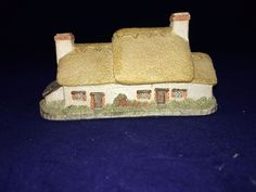 """David Winter Cottages """"YEOMAN'S FARM HOUSE"""" ~ 1985 Mint Condition No COA or Box"""