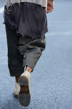 http://alewear.tumblr.com/post/103629645180/nomanlegacy-street-style-x-luxury-blog  That layer