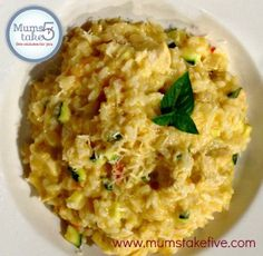 Thermomix Recipe Chicken and Vegetable Risotto. Easy to make Risotto in the Thermomix using our delicious recipe Thermomix Recipes Healthy, Meat Recipes, Cooking Recipes, Oven Recipes, Recipies, Arroz Risotto, Risotto Dishes, Tomato Risotto, Chicken Risotto