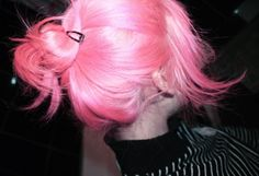I almost have all my natural hair color grown our, then its on to bleach then this pink!