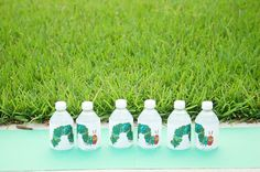 Very hungry caterpillar water bottle wrappers- free printable Very Hungry Caterpillar Printables, Hungry Caterpillar Games, Caterpillar Art, Free Printable Invitations, Free Printables, Cupcake Toppers Free, Printable Water Bottle Labels, Twins 1st Birthdays, Recipe Cards