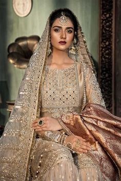 looks mesmerising in this Luxury Bridal Collection by 📸: Nikkah Dress, Shadi Dresses, Pakistani Formal Dresses, Pakistani Wedding Outfits, Indian Bridal Outfits, Pakistani Dress Design, Desi Wedding Dresses, Asian Bridal Dresses, Indian Dresses