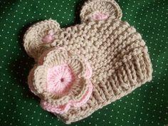 Gorro ursinha super fofo e macio. Valor do gorro para crianças até 12 meses. *u* Pode ser feito em tamanhos diferentes a combinar. R$ 45,00