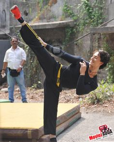 Tiger Shroff performs live action Parkour stunts