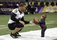 Baltimore Ravens running back Ray Rice, left, hands a football to his daughter, Rayven, age after an NFL Super Bowl XLVII walkthrough on Saturday in the Mercedes-Benz Superdome in New Orleans Ray Rice, Star Wars, Fathers Love, Family Affair, Baltimore Ravens, Daddys Girl, Baby Love, Super Bowl, Kids Playing