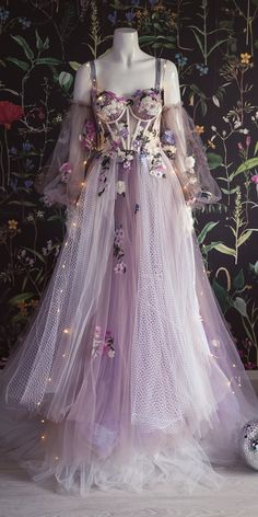 Pretty Prom Dresses, Ball Dresses, Pretty Outfits, Homecoming Dresses, Cute Dresses, Beautiful Dresses, Ball Gowns, Purple Grad Dresses, Purple Wedding Gown