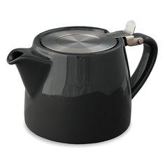 FORLIFE Stump tekanne inneholder 530ml av te. Stump tekanne er en moderne utstyrt som kommer med en ekstra fin 0,3 mm te infuser og permanent festet hengslet lokk for enkel bruk. Med den ekstra gode infuseren du kan brygge fine teer som Rooibos te, hel leaf teer som Oolong te. Stump tekanner er ogs ideell for bruk av te poser. nsker du en annen farge? Kontakt oss. (+47)9886 4330 Engelsk: This Stump teapot complete with an extra-fine 0.3 mm stainless-steel tea infuser and per...