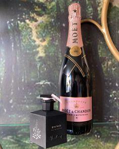 Καλό Σαββατοκύριακο φορώντας το αγαπημένο Lys Noir 🍾🖤 We can bring your favorite perfume to your hotel or yacht 🛥 Check our online shop: www.rosinaperfumery.com #lysnoir #isabey #champagne #moët #moetchandon #roseimperial #rosinaperfumery