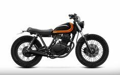 This amazing scrambler motorcycle suzuki is certainly an inspirational and very good idea Suzuki Cafe Racer, Cafe Racer Build, Tracker Motorcycle, Scrambler Motorcycle, Moto Bike, Bobber, Brat Bike, Yamaha 125, Honda 125