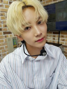 Read Jeonghan×SooJung[Swimming] from the story Seventeen by SxpphireRxse (☆SAPPHIRE☆) with reads. Woozi, Wonwoo, Seungkwan, Seventeen Funny, Seventeen Scoups, Jeonghan Seventeen, Seventeen Debut, Vernon Seventeen, Selca