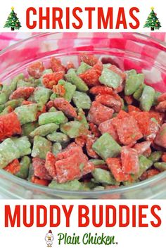 Christmas Muddy Buddies - chex cereal tossed in peanut butter, red and green candy melts and powdered sugar. This stuff is SO good! I am totally addicted to it! This recipe makes a TON! Makes a great homemade gift for the holidays! Christmas Deserts, Holiday Snacks, Holiday Cookies, Holiday Recipes, Christmas Recipes, Christmas Cupcakes, Diy Christmas Snacks, Christmas Candy Crafts, Christmas Ideas
