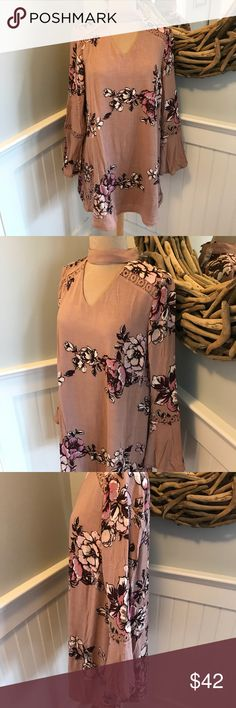 """Gorgeous Dusty Pink Boho Dress Fully lined on trend floral print dress.Long, bell sleeves.Beautiful crochet detail.v-neck, choker style.2 button Keyhole back( comes w/ extra button) 100% rayon,poly lining.This would also look great with leggings.About 33"""" Long,about 20"""" armpit to armpit. Blu Pepper Dresses"""
