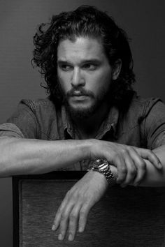 I swear you pin one photo of Kit Harrington and it all goes downhill from there Kit Harrington, Jon Snow, Xavier Samuel, Photo Repair, King In The North, Game Of Thrones, Monochrom, Cultura Pop, Bucky