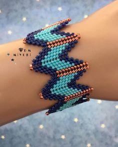 EASY Stackable Arm Candy Projects How to make friend Diy Friendship Bracelets Easy, Handmade Bracelets, Beaded Jewelry, Beaded Bracelets, Friend Bracelets, Peyote Beading, Brick Stitch, Bracelet Tutorial, Beading Patterns