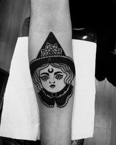 32 Marvelous Witch Tattoos for Halloween Weird Tattoos, Badass Tattoos, Love Tattoos, Beautiful Tattoos, Black Tattoos, Body Art Tattoos, New Tattoos, Hand Tattoos, Tattoos For Guys