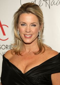 TV journalist/reporter Deborah Norville is celebrating her 55th birthday today 8-3-13. She was born in 1958
