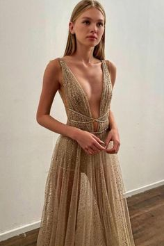#BERTA evening beauty from our NYC showroom Evening Dresses, Formal Dresses, Wedding Dresses, Long Party Gowns, Beautiful Prom Dresses, Looks Chic, Couture Dresses, Dream Dress, Lady