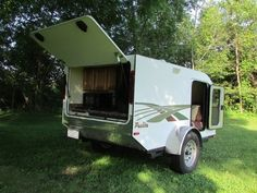 This is an Anonymous Reader Submitted Guest Post: DIY Tiny Camping Trailer (Submit) The trailer is weighs 1280 lbs. empty but can still be pulled with a 4 cylinder vehicle. It took ab… Used Camping Trailers, Small Camper Trailers, Small Camping Trailer, Best Trailers, Small Trailer, Small Campers, Trailer Build, Travel Trailers, Diy Camper Trailer Designs