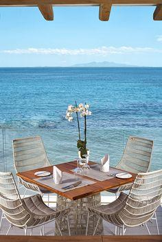 beach house dining