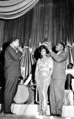 """Aretha Franklin is crowned the """"Queen of Soul"""" at the Regal Theater in Chicago, May 1964."""