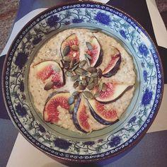 ~figgy~ . . . . . #figs #season #porridge #breakfast #intsafood #healthy #eating #student #food #morning #coffee #foodart #healthybreakfast #healthyrecipes #chia #oats #hazelnutmilk #pumpkinseeds #winterfood  Yummery - best recipes. Follow Us! #healthyrecipes