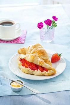 Croissantit mansikka-appelsiinitäytteellä | K-Ruoka #aamupala #brunssi #leivonta