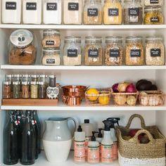 For the open kitchen shelves! Kitchen Jars, Kitchen Storage Jars, Open Cabinet Kitchen, Open Kitchen Shelving, Kitchen With Pantry, Pantry Storage Containers, Glass Food Storage, Mason Jar Kitchen Decor, Fruit Storage