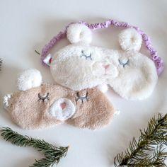 Bear sleep mask, bears, antifaz de oso, antifaz para dormir, sleeping mask, sleep eye mask, fotografía de producto, Brenda Quezada, Kawaii, oso Kawaii, cute sleep mask, funny sleep mask, Etsy,
