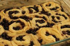 A Regional Canadian Food: Saskatoon Roll or Saskatoon Cobbler, and How to Freeze Saskatoon Berries - Saskatoon Recipes, Apple Chutney, Heritage Recipe, Big Cookie, Canadian Food, Pastry Blender, Holiday Baking, Original Recipe, Cobbler