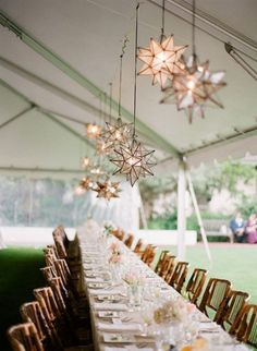 Table decoration ideas for weddings or other events (23 photos)