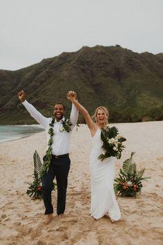 Wedding Hair And Makeup, Wedding Beauty, Dream Wedding, Hair Makeup, Bridal Hair, Hawaiin Wedding, Wedding Exits, Wedding Ceremony, Wedding Ideas