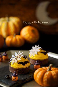 かぼちゃのタルト コウモリチョコ  蜘蛛の巣チョコ