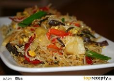 Dokřupava smažené rýžové nudle se zeleninou recept - TopRecepty.cz Chow Mein, Kitchen Hacks, Fried Rice, Entrees, Food Porn, Food And Drink, Healthy Eating, Chinese, Healthy Recipes